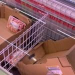 FOTO Rafturile mai multor magazine mari din București, golite în viteză pe fondul isteriei mediatice generate de coronavirus / Ministrul Sănătății se întâlnește cu reprezentanții marilor retaileri