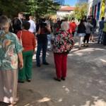Cozi la vot din cauza măsurilor sanitare. Șeful AEP le cere organizatorilor din teritoriu să ușureze accesul cetățenilor la cabine