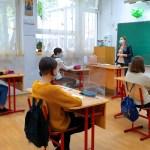 Posibilitatea ca școala să decidă cursuri față în față pentru toate clasele, chiar dacă localitatea este în scenariul 2, precum și permiterea interacțiunii profesor-elev – cerute oficial de părinți. Propunerile de modificare a ordinului comun al Ministerului Sănătății și Ministerului Educației