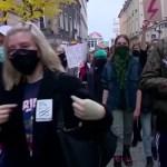 Mii de persoane au manifestat sâmbătă în Polonia pentru a treia zi consecutiv împotriva interzicerii aproape totale a avortului