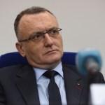 """Ministrul Educației anunță că a fost demisă directoarea care i-a luat apărarea profesorului din Neamț care a cerut poze nud unei eleve: """"Am toleranță zero pentru aceste lucruri. Este inadmisibil să învinovățești un elev"""""""