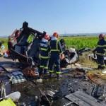 UPDATE VIDEO 7 persoane au murit și alte 5 au fost transportate la spital în accidentul din județul Bacău, între un microbuz și un autoturism
