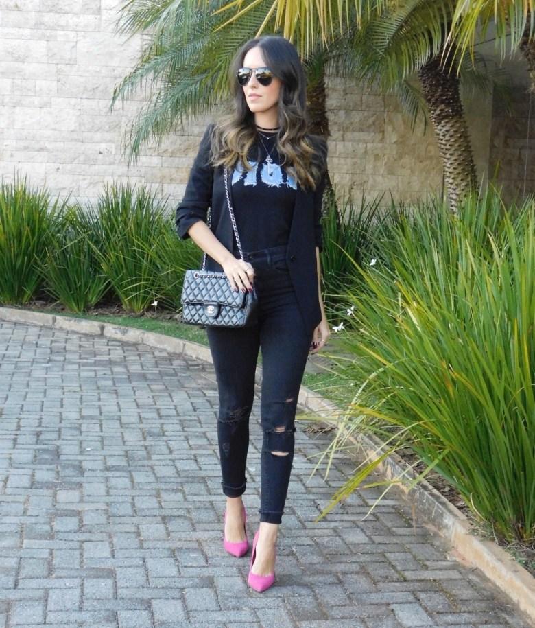 look preto, ponto de cor, moda, estilo, look do dia, Gabi May, camiseta, black outfit, pop of color, fashion, style, outfit, ootd