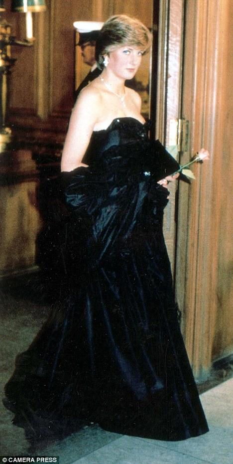 vestidos pretos icônicos, moda, estilo, inspiração, iconic black dresses, fashion, style, inspiration, princesa diana