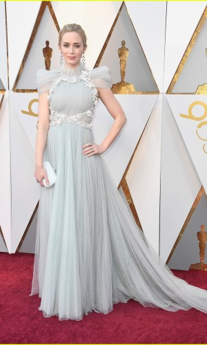 oscar 2018, tapete vermelho, celebridades, premiação, moda, estilo, looks, vestido longo, 2018 oscars, red carpet, celebrities, award season, fashion, style, gowns, outfits, emily blunt