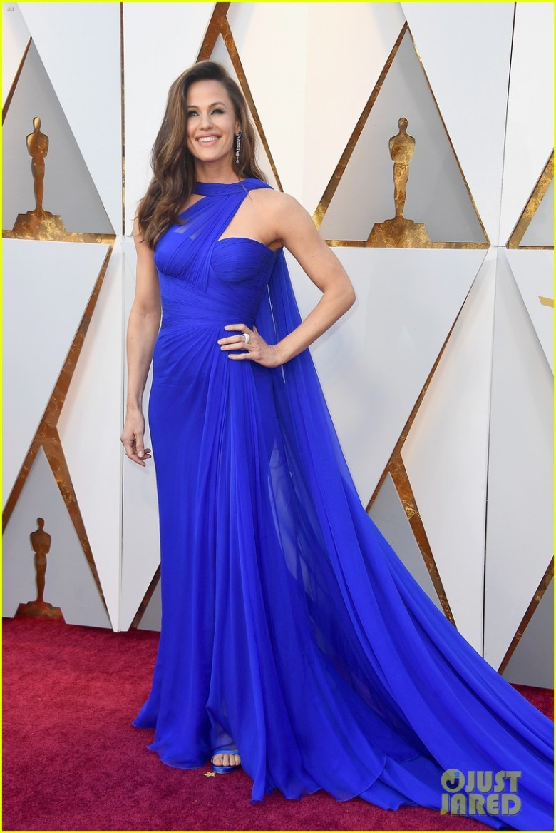 oscar 2018, tapete vermelho, celebridades, premiação, moda, estilo, looks, vestido longo, 2018 oscars, red carpet, celebrities, award season, fashion, style, gowns, outfits, jennifer garner