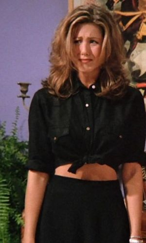 rachel green, jennifer aniston, friends, anos 90, looks, tendência, moda, estilo, trend, 90s, outfits, fashion, style, cropped top, blusa cropped