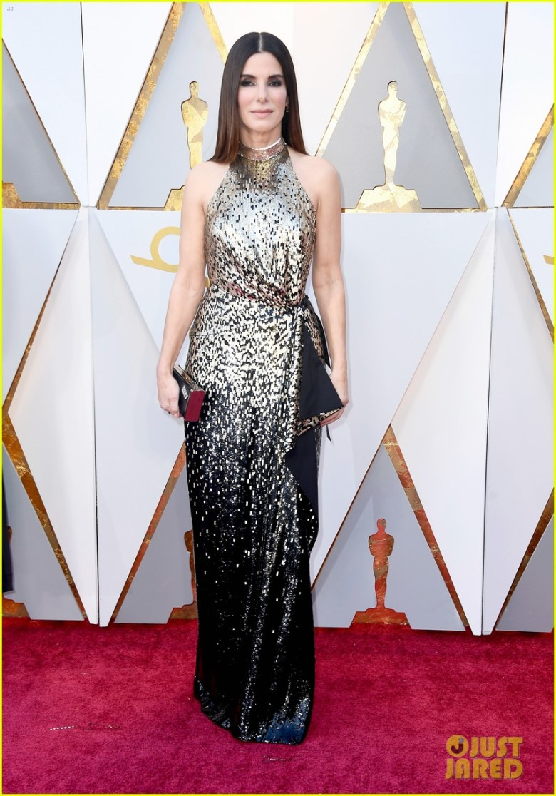 oscar 2018, tapete vermelho, celebridades, premiação, moda, estilo, looks, vestido longo, 2018 oscars, red carpet, celebrities, award season, fashion, style, gowns, outfits, sandra bullock