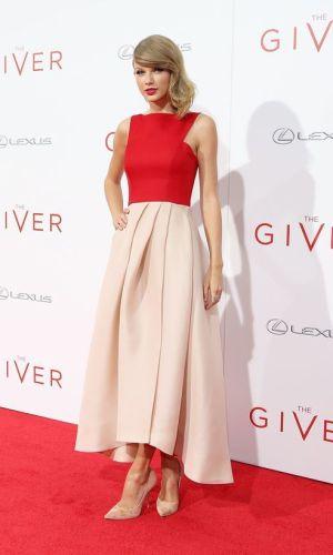 vermelho e nude, combinação de cores, look, moda, estilo, inspiração, red and nude, color combination, outfit, inspiration, fashion, style, taylor swift