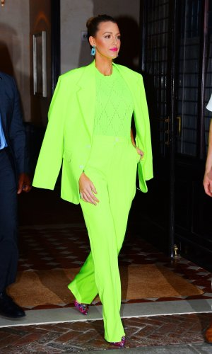 looks neon, moda, estilo, tendência, street style, neon outfit, fashion, style, inspiration, trend, blake lively
