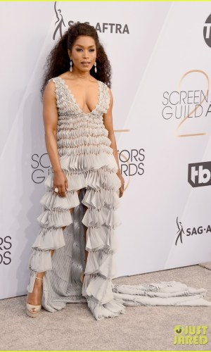sag awards 2019, best dressed, mais bem vestidas, hollywood, moda, estilo, looks, fashion, style, outfits, angela bassett
