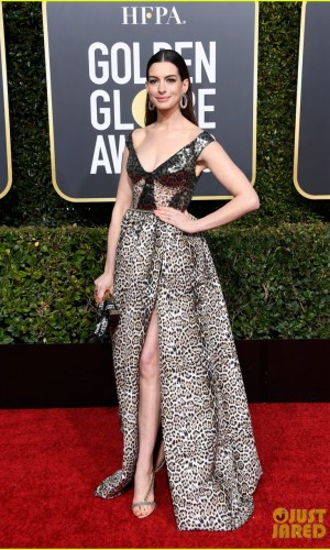 golden globes 2019, golden globes, awards season, red carpet, fashion, look, gown, tapete vermelho, premiação, moda, look, vestido longo, hollywood, anne hathaway