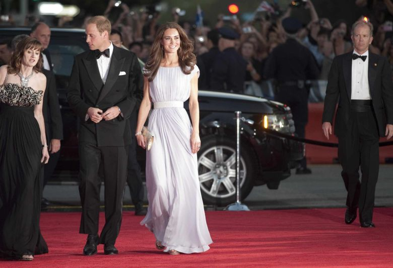 duquesa de cambridge, kate middleton, gala, look festa, duchess of cambridge, gowns, alexander mcqueen