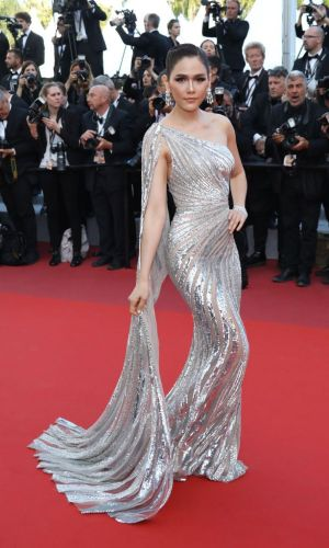 araya a hargate at the 2019 cannes film festival red carpet