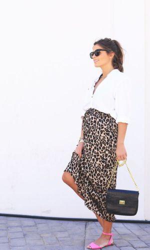 pregnant style, leopard midi skirt and white shirt