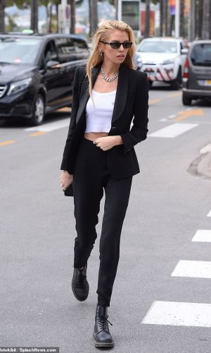 stella maxwell out at the street of cannes 2019