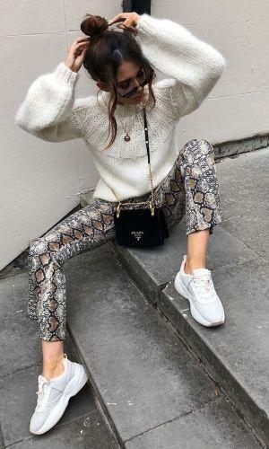 como usar uma calça com estampa de cobra, tendência, moda, how to wear snakeskin pants