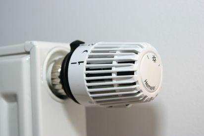 valve-thermostat-1558399-1279x852