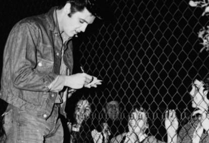 Elvis Presley si vestimentatiile sale, cand inca erau normale