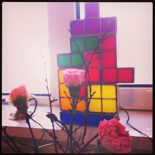Lampa Tetris si patanii cu sensuri ascunse