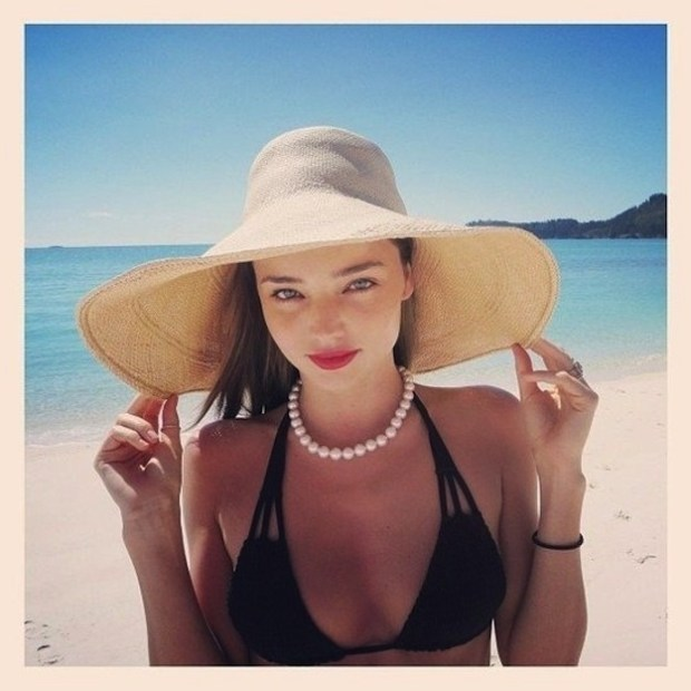 2.-A-wide-brimmed-straw-hat-looks-amazing-at-the-beach.