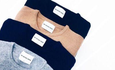 """O rubrica noua porneste, """"Esentiale"""", un ghid scurt si pragmatic a pieselor musai din dulapul fiecareia/fiecaruia dintre noi, impartita cuminte pe sezoane. Astazi puloverele-s la rand, ca dintre tricotaje ele ne sunt cele mai la indemana si de folos..."""