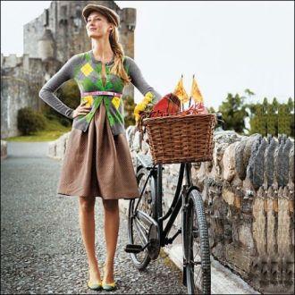 O rochie, balerini, un cardigan ecosez si o centura - tinuta perfecta de picnic