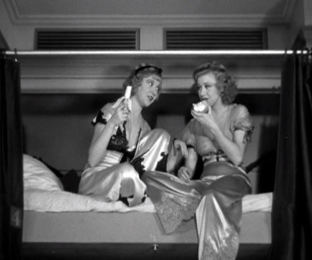 Ginger Rogers si ale sale matasoase pijamale
