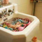 Cum ingrijim hainele din matase naturala si vascoza / rayon