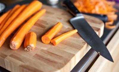 Supa crema cu morcovi cu chimen si galuste