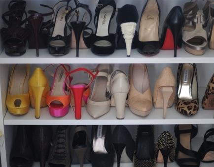 Aseaza pantofii alternativ, vor incapea mai multi