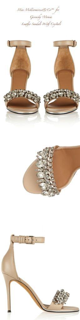 Restilizeaza-ti sandalele vechi