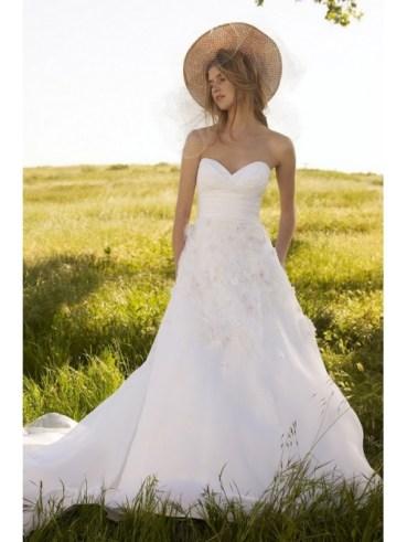 Rochie de mireasa cu corset inima