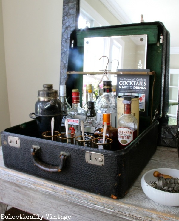Mini bar dintr-o valiza
