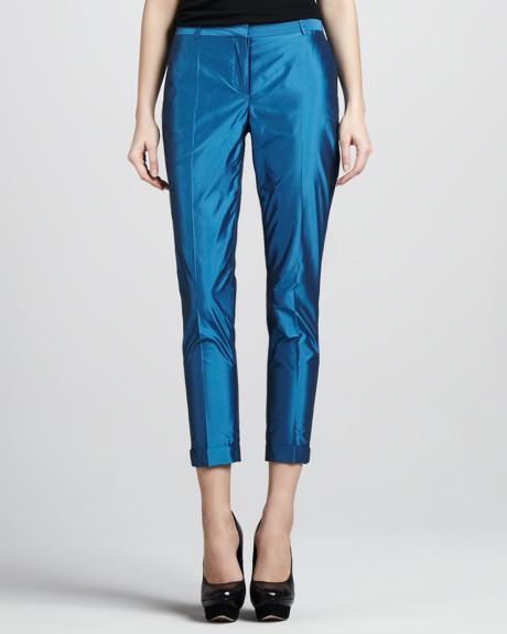 Pantaloni din tafta