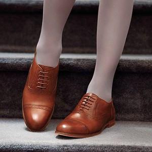 Pantofii Oxford sau cum furam confortul de la ei si delicatetea de la ele