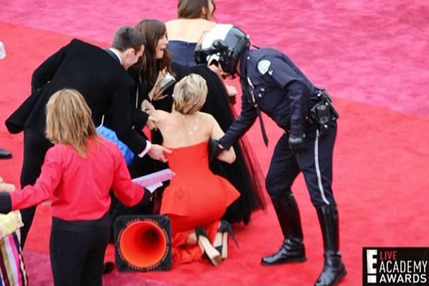 Jennifer Lawrence si tocurile inalte