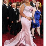 Queen Latifah la Oscar si o rochie care-i vine superb