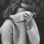 Puloverul pe gat – manevra vestimentara de iarna