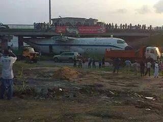 C'est sous cet échangeur que l'avion s'est retrouvé coincé @ DR