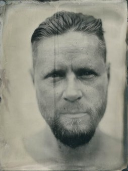 Developer (18x24cm ambrotype on clear glass)