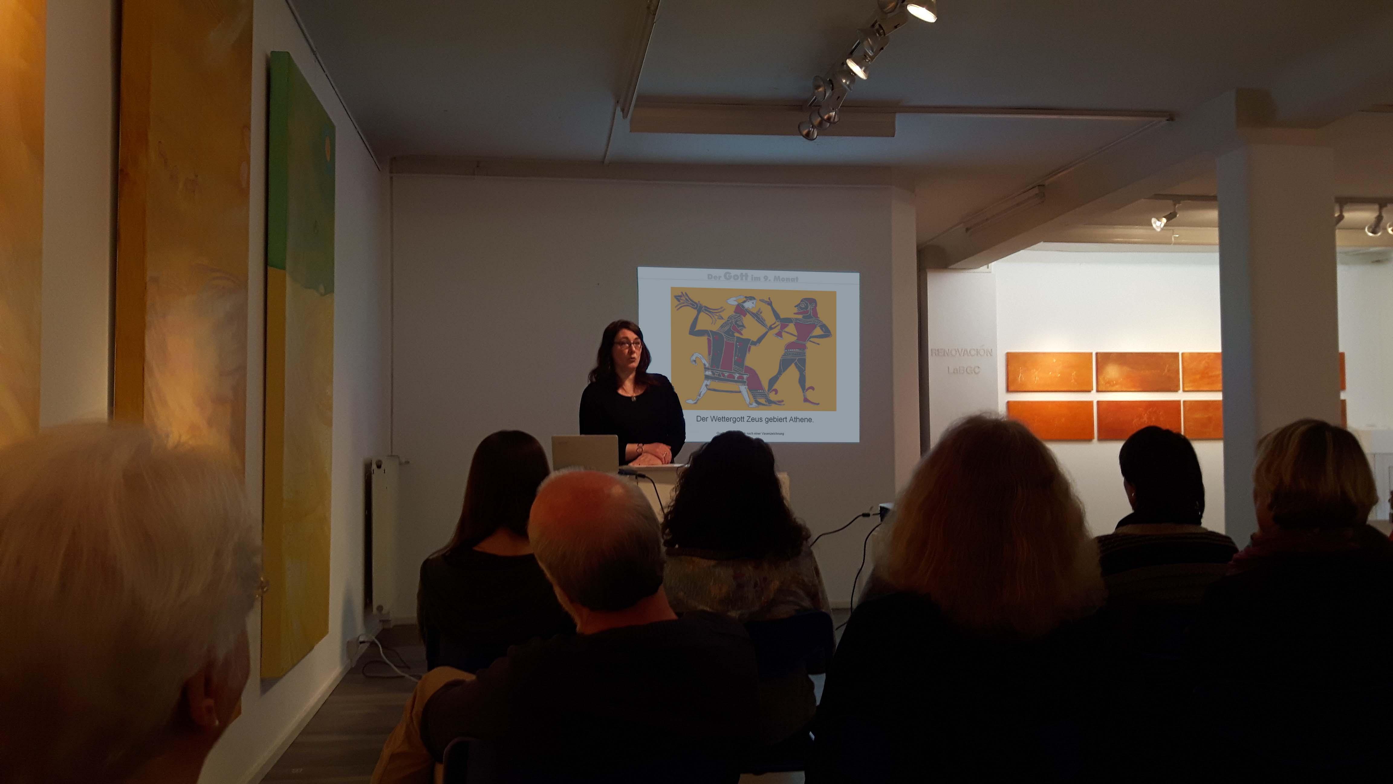 Gabriele Uhlmann im FrauenMuseum Wiebaden