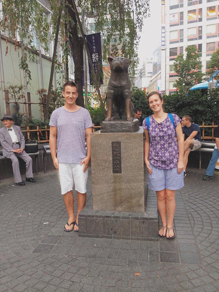 Ellen & Manuel visiting the Hachikō statue in Tokyo in September, 2013.