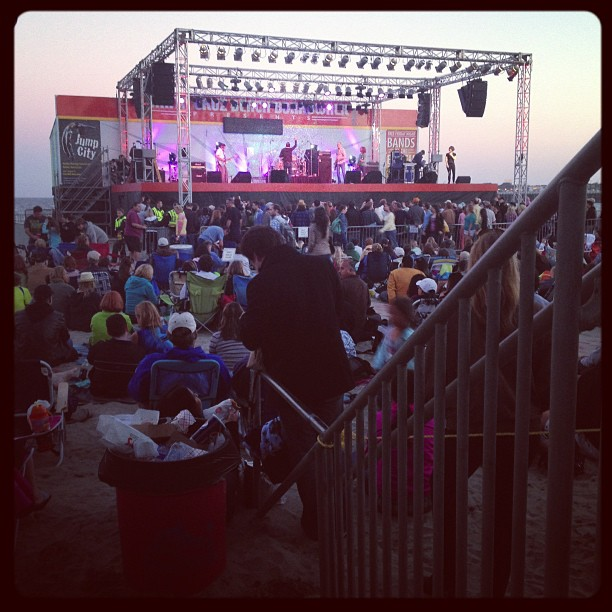 Free Gin Blossoms concert tonight.