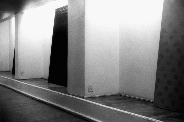 Gabriel Truan vista 2 de la expo en la Mashrabia Gallery Cairo 1992