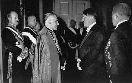 Papa Pio al 12-lea şi Hitler