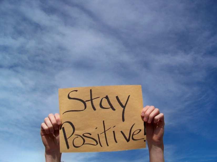Exprima pozitiv