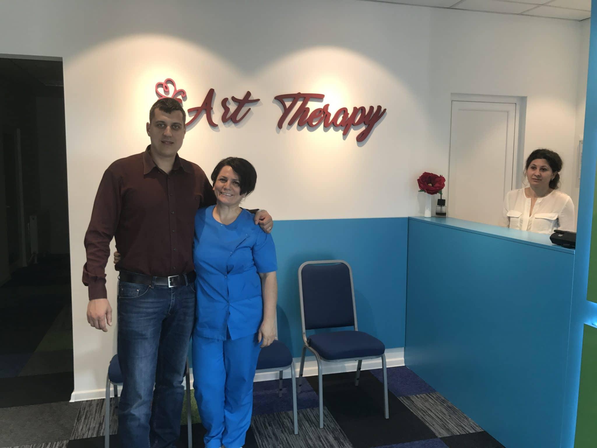 Gabriel Ursan si Tatiana Vrabie la Art Therapy Center Galati