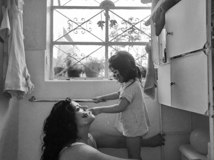 """""""La cuarentena, la maternidad y sus contradicciones"""". Fotografía: Alejandra Leyva"""