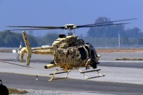Levitando sobre el helipad de FIDAE 2014 en otro vuelo de demostración (foto: Carlos Ay).